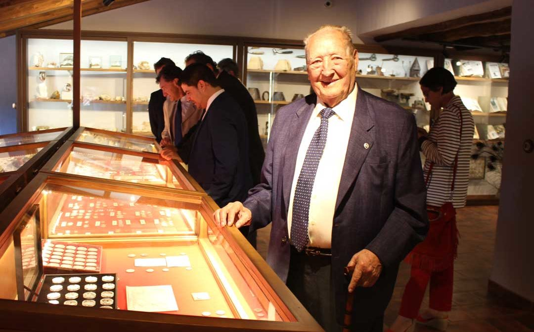 El empresario Miguel Gargallo recibe a título póstumo la Medalla al Mérito Turístico