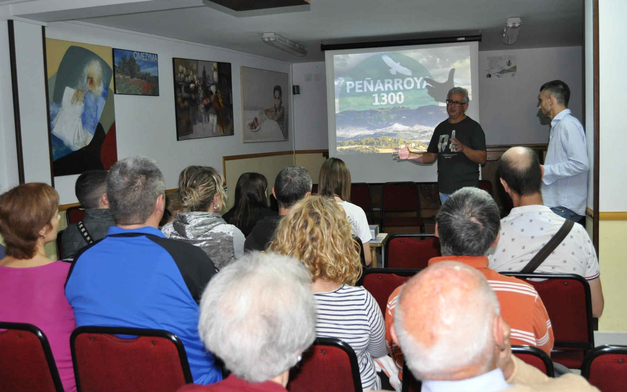 El organizador Luis Lizana y el alcalde de Peñarroya, Paco Esteve, presentaron las rutas Peñarroya 1300