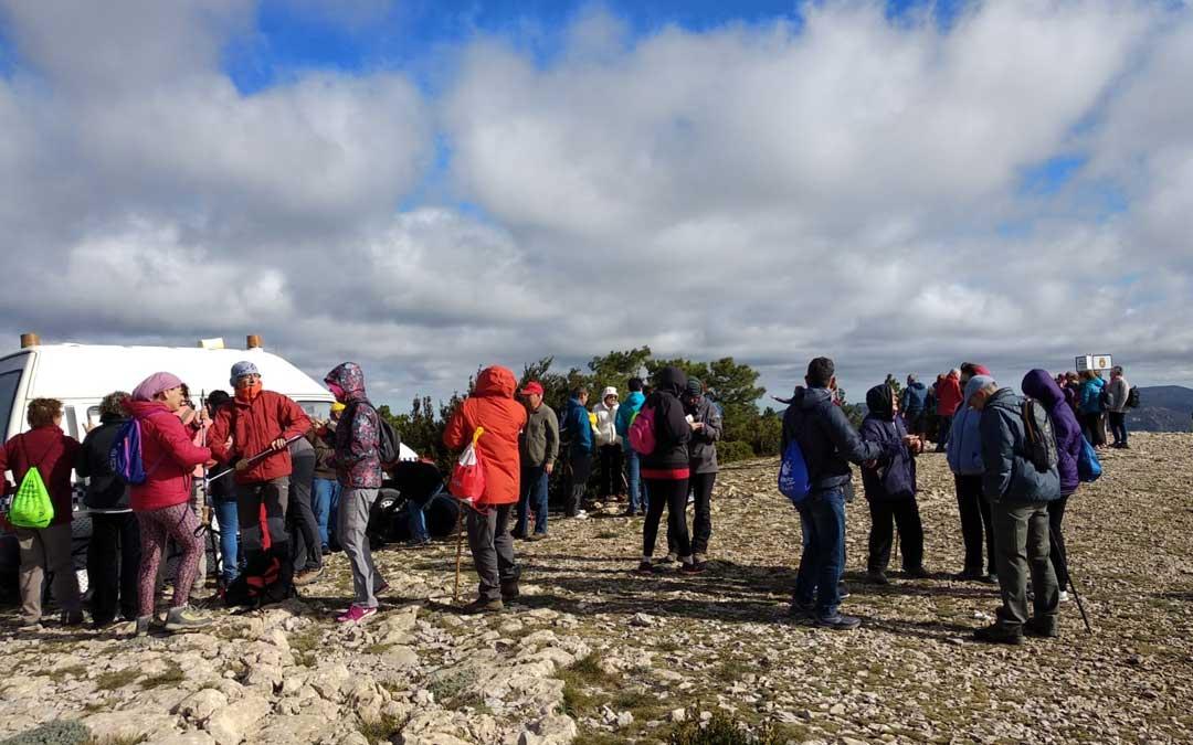 Los senderistas y participantes partieron de Fredes al Tossal