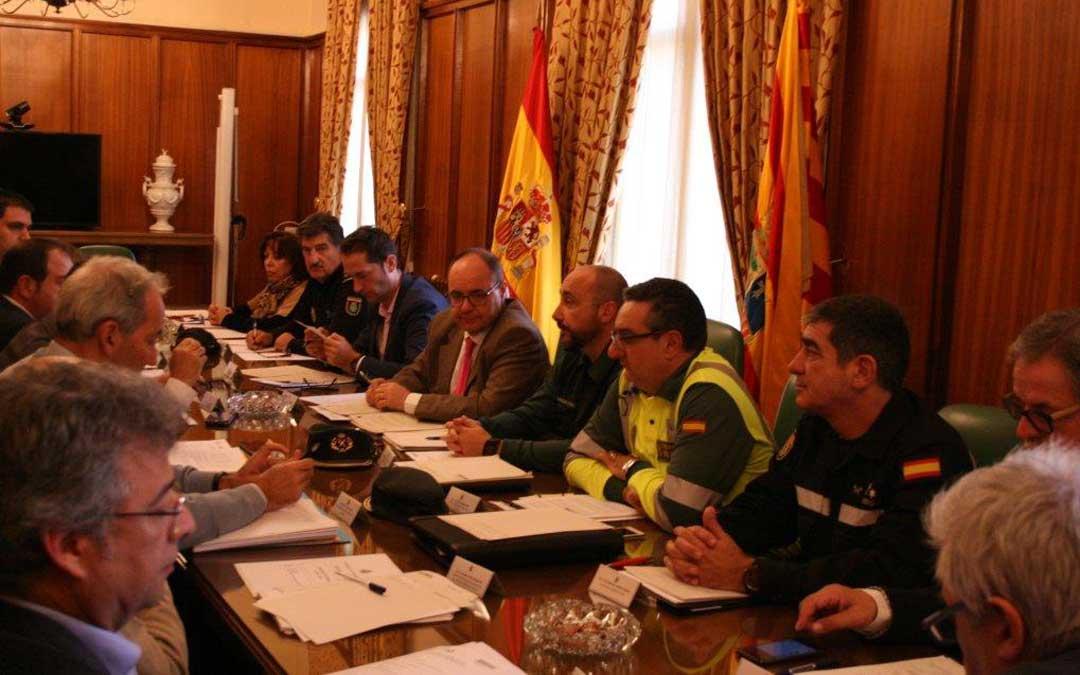 En la reunión de este lunes estuvieron representantes de Gobierno, DGA, DPT y cuerpos de seguridad además de otras administraciones. l.c.