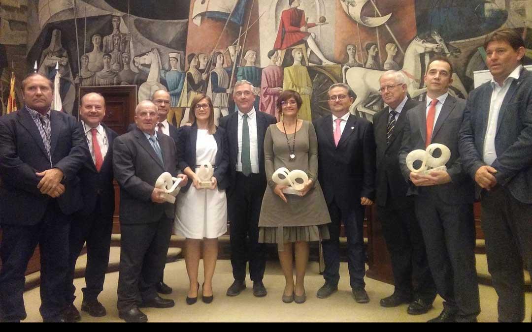 Foto de familia de los premiados. ALIANZA AGROALIMENTARIA