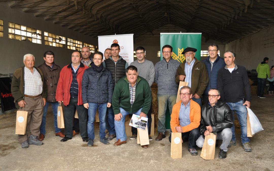 La organización entregó tres premios y varios detalles a los ganaderos ovinos participantes