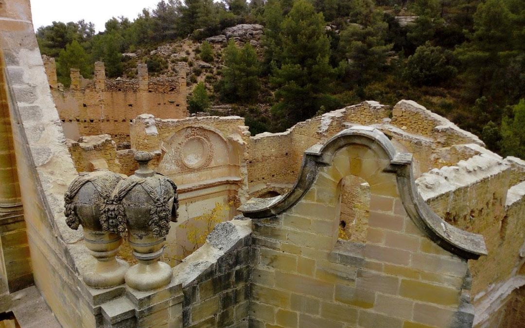 Se ha actuado en la parte superior del edificio evitando el peligro de derrumbe de varios elementos decorativos