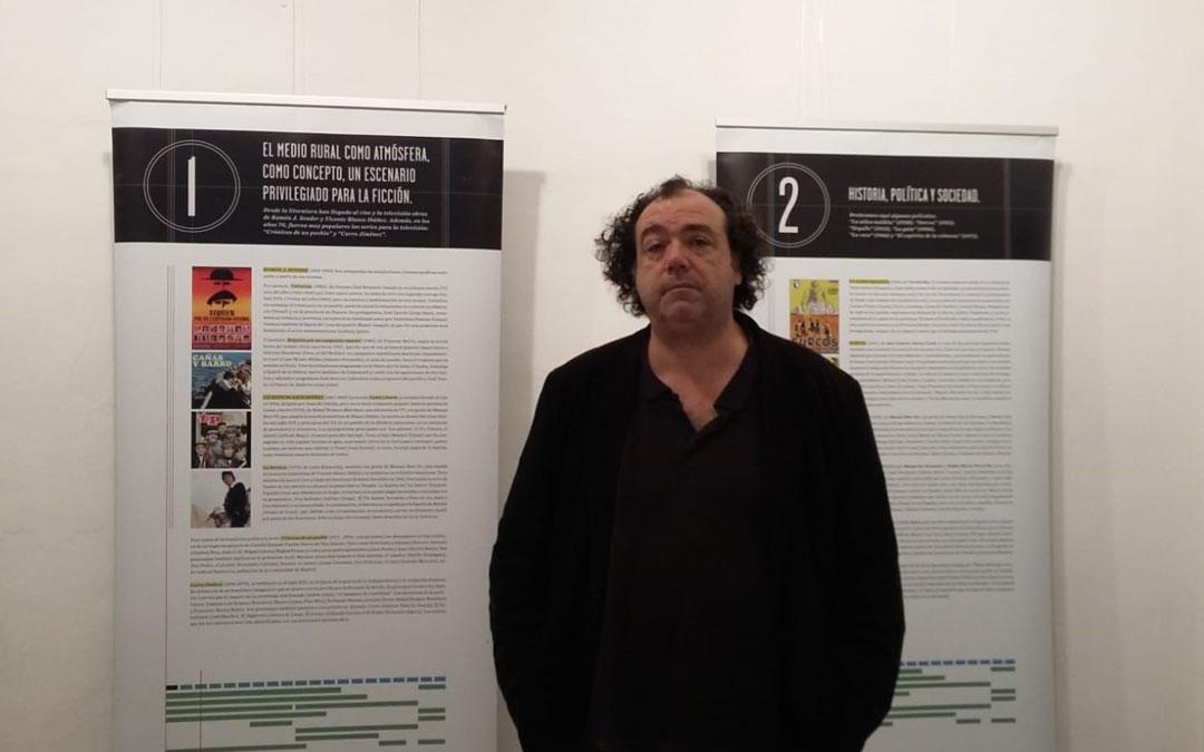 Roberto Sánchez el sábado durante la presentación de la exposición. l. c.