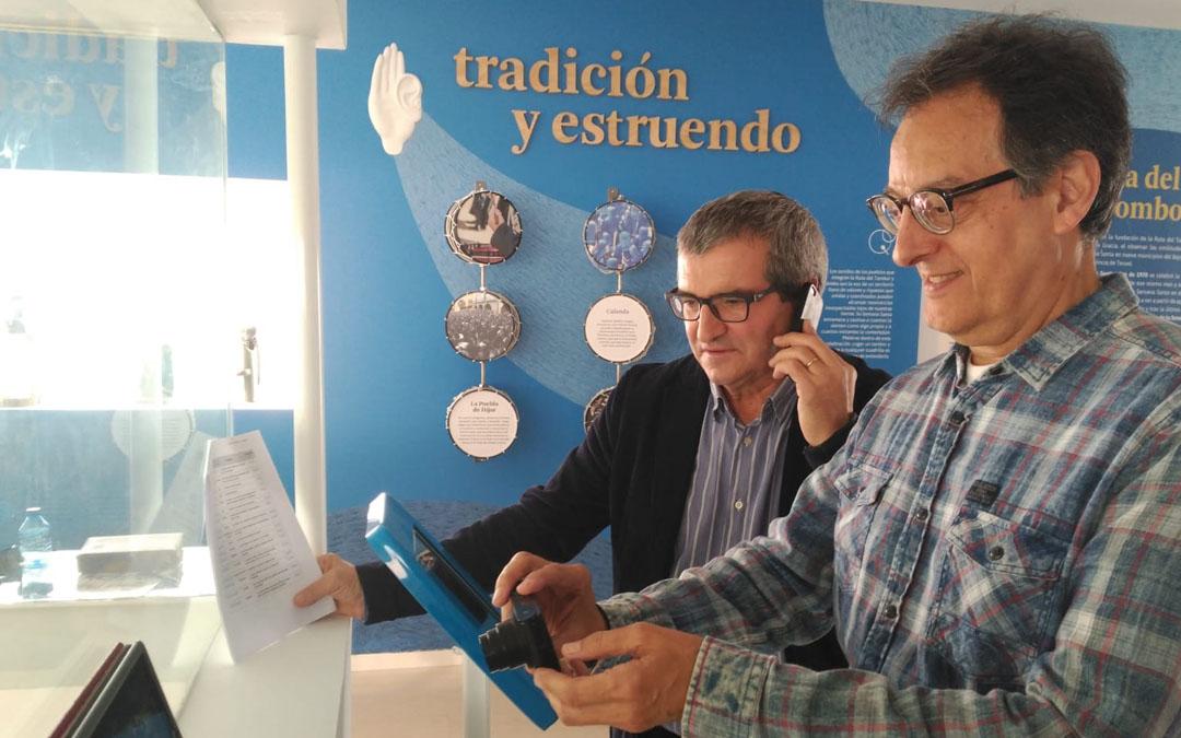 El presidente de la Ruta, Segundo Bordonaba, y el secretario esta misma mañana en el Museo de Híjar siguiendo en directo la retransmisión de la Unesco. Beatriz Severino