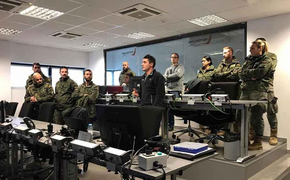 Los militares conocieron el lunes las instalaciones de Motorland