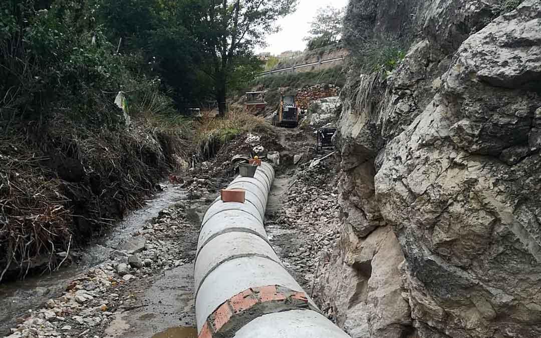 Canalización afectada por las lluvias. ayto. utrillas