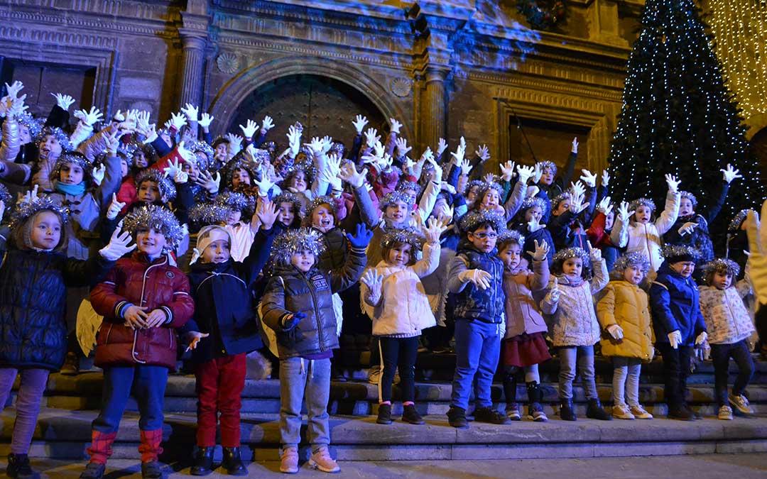 22 diciembre ninos encendido luces navidad