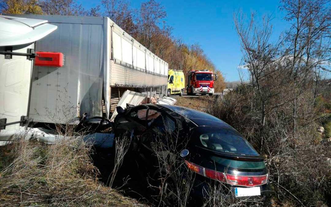 Mas de las matas accidente camion turismo a226