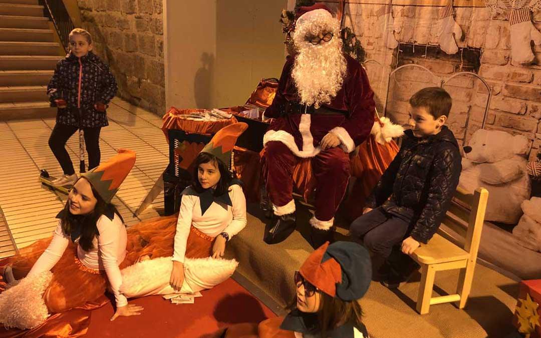 La llegada de Papá Noel ha contado con una gran acogida