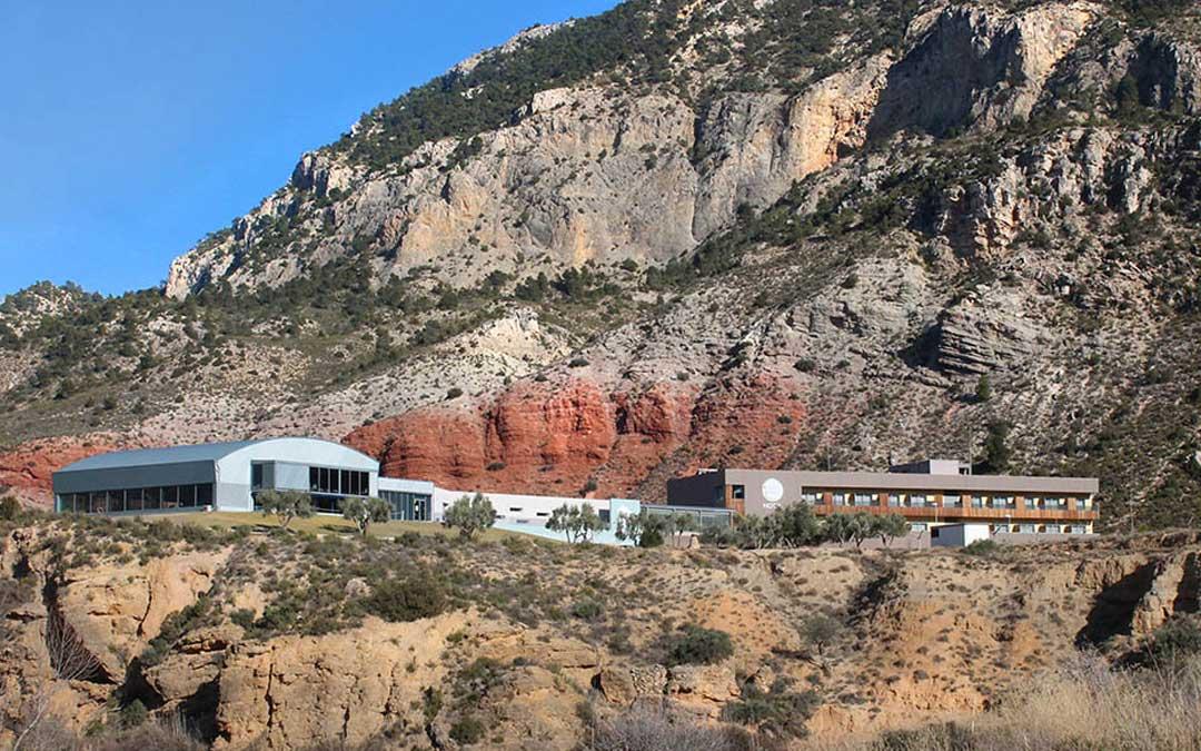 El enclave y la calidad de aguas termales son los secretos del éxito del Balneario de Ariño
