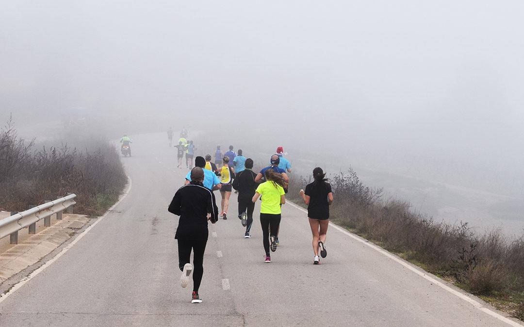 Los «lobos» se enfrentan a la niebla y el frío en la San Silvestre de Chiprana