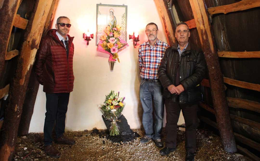 Flores para la patrona de los mineros. Foto: L. Castel