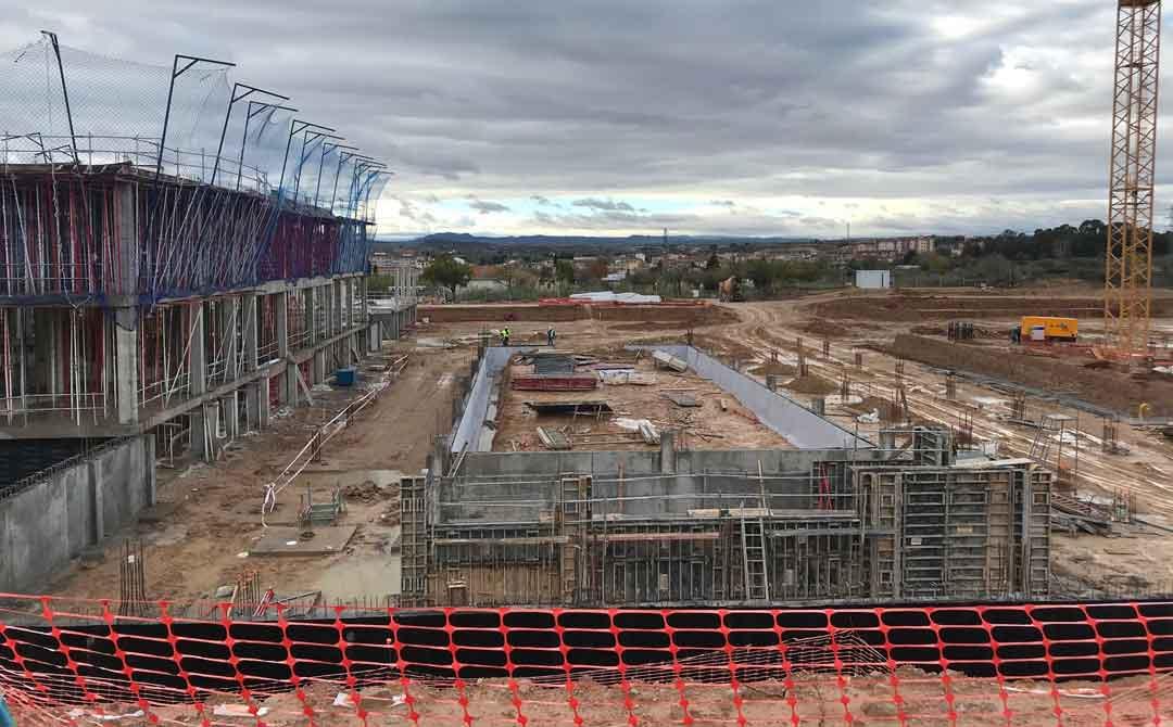Se esta levantando la estructura de la segunda planta del edificio de hospitalizacion