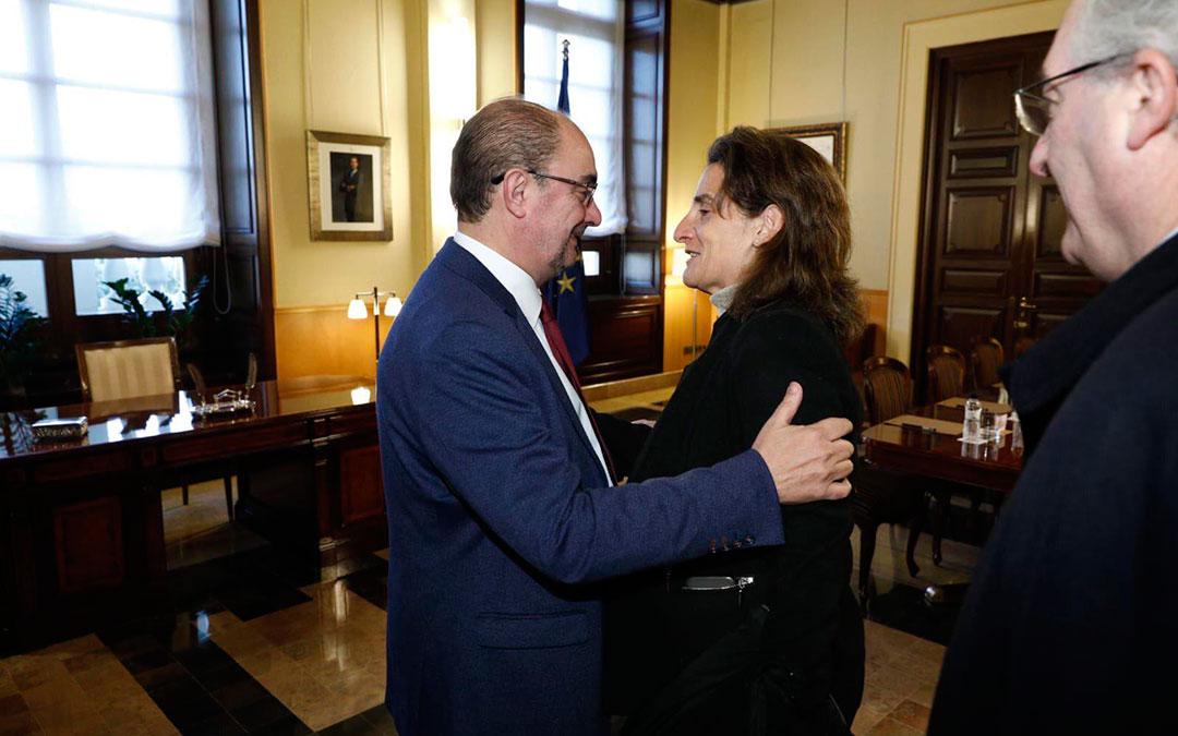 El presidente de Aragón Javier Lambán y la ministra Teresa Ribera durante la reunión en Zaragoza