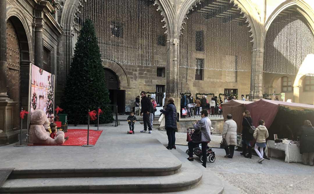Market de Navidad este domingo en la Lonja y la plaza España