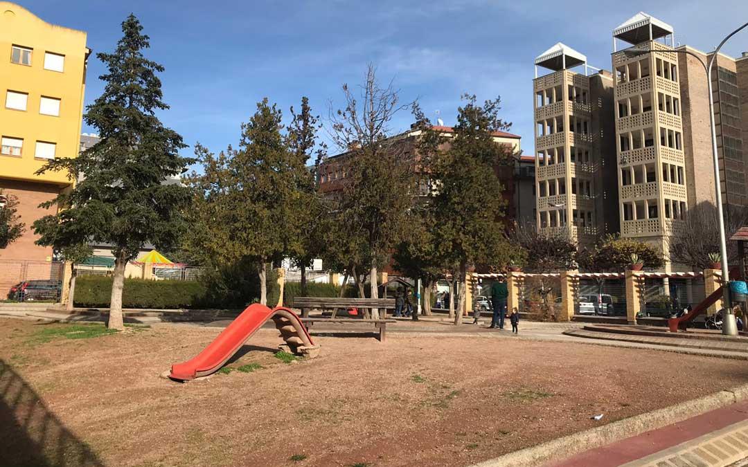 El parque de la avenida se encuentra muy deteriorado
