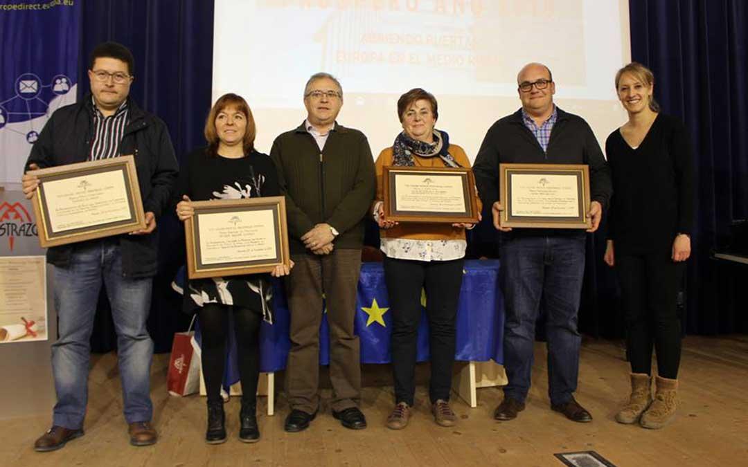 Foto de grupo de los premiados y autoridades. en la VIII edición de los galardones. Imagen: Comarca del Maestrazgo