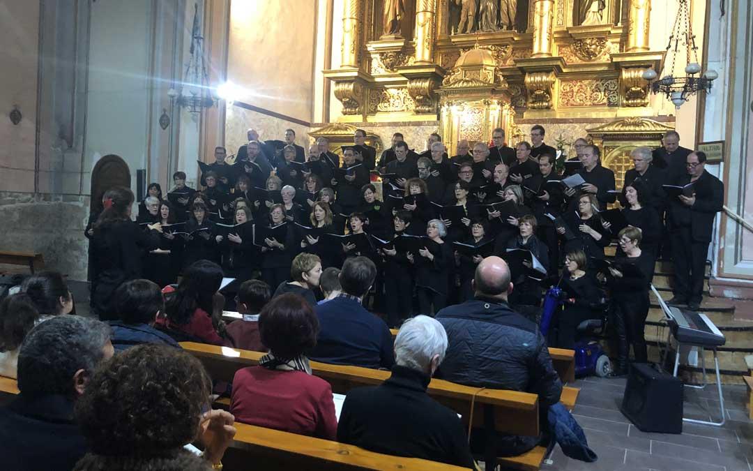 Instantánea del concierto conjunto en la iglesia de Escolapios de Alcañiz