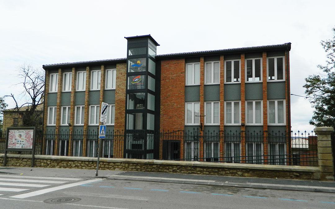 Imagen de la actual sede de la Comarca del Bajo Aragón-Caspe.