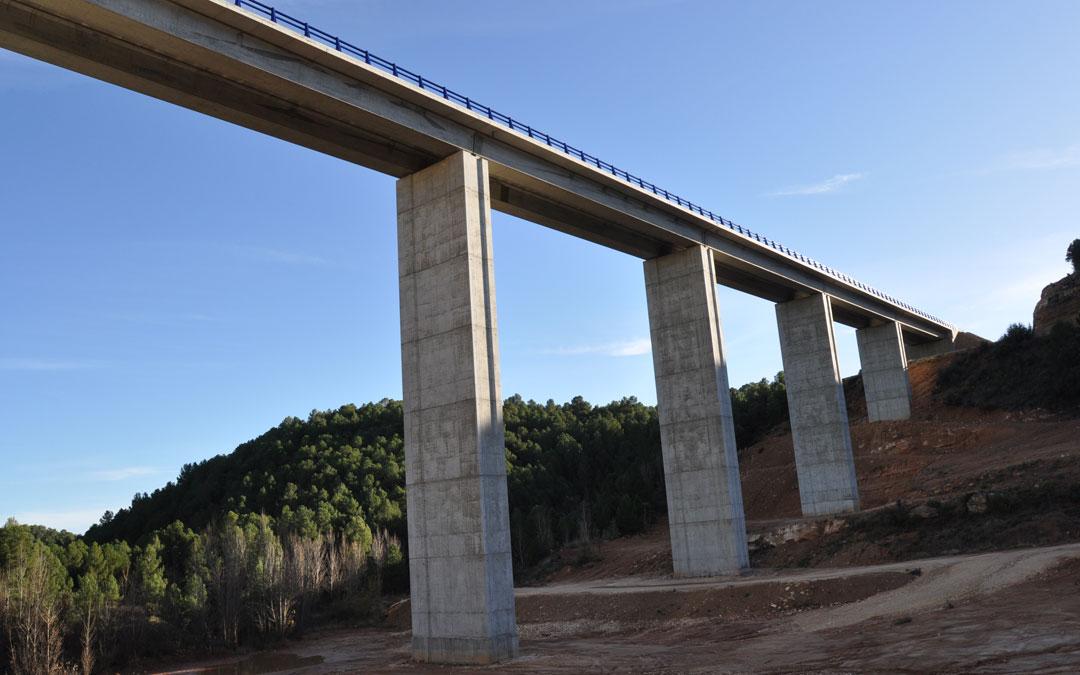 El viaducto de la Val de Luna es una de las infraestructuras más espectaculares