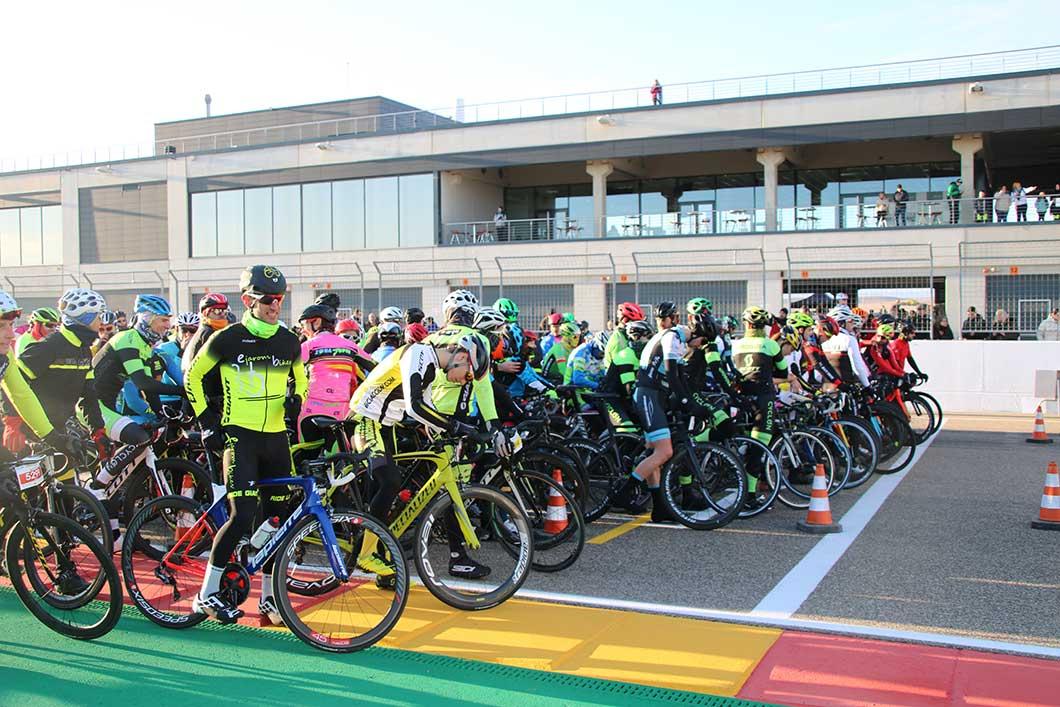 Prueba de ciclismo en ruta en La Invernal 2019.