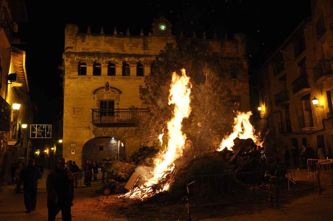 Hogueras por San Antón en La Fresneda