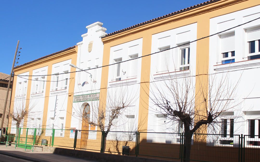 La actual escuela de Alloza habilitó un espacio para la guardería infantil. B.S.