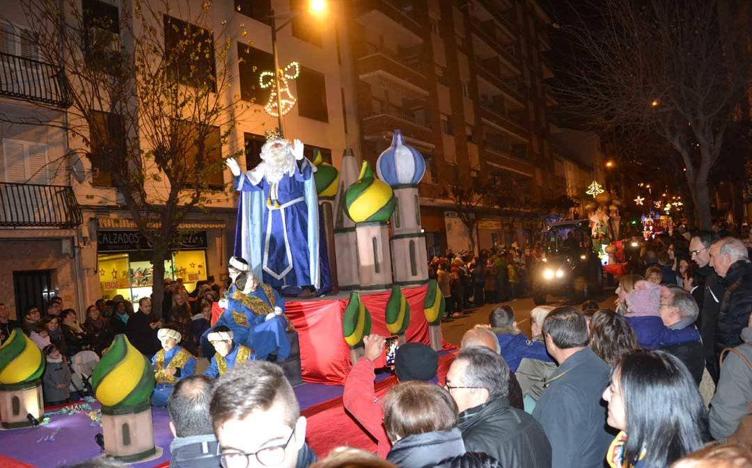 Los Reyes Magos regalan ilusión en la noche más mágica del año