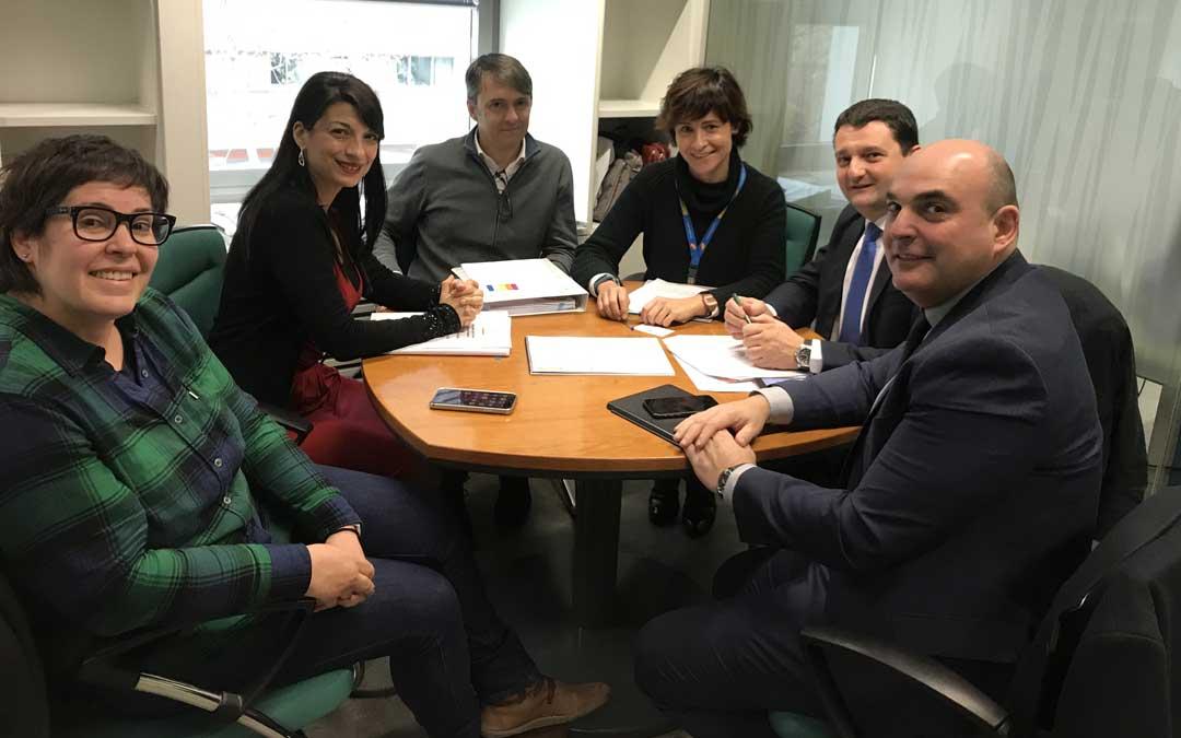 El concejal de Turismo de Alcañiz y el alcalde, en Madrid, en la dirección general de Desarrollo Rural y Política Forestal