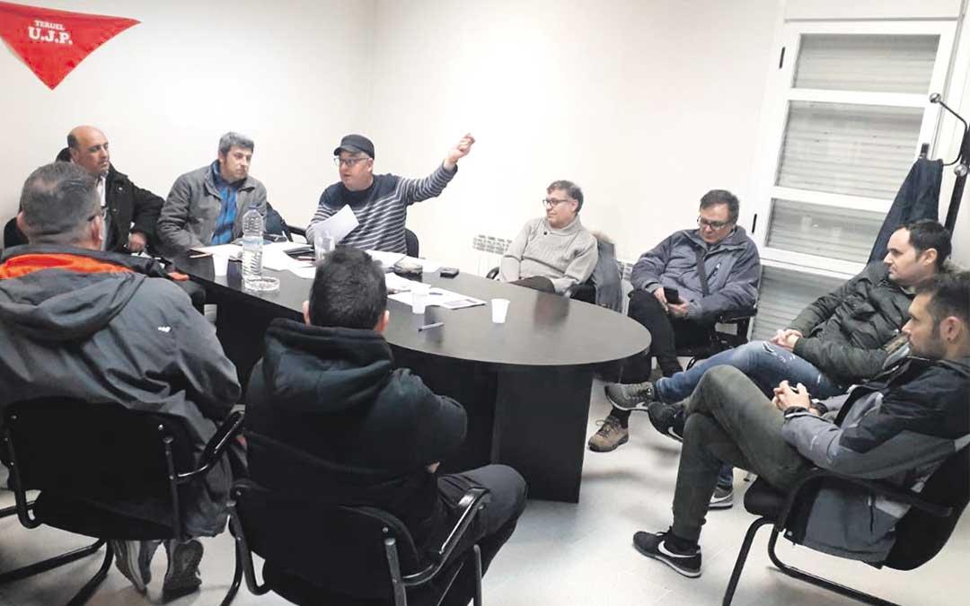 Reunión el lunes por la noche de los trabajadores de la Central y las minas de Samca