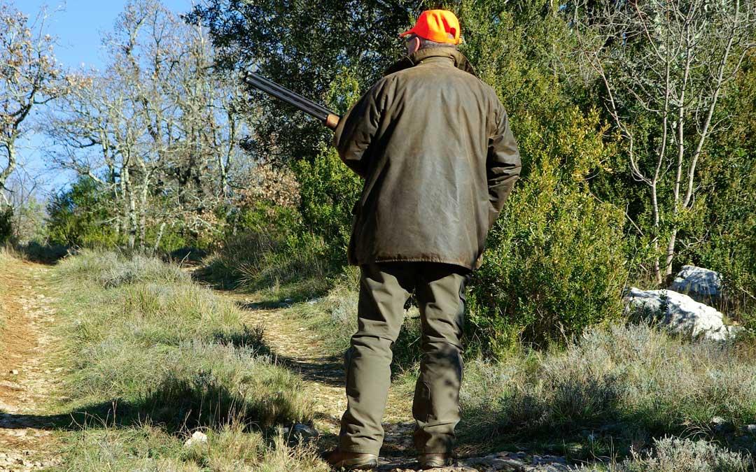 El Gobierno de Aragón analiza el impacto de la munición libre de plomo sobre los animales en la zona de Ejulve