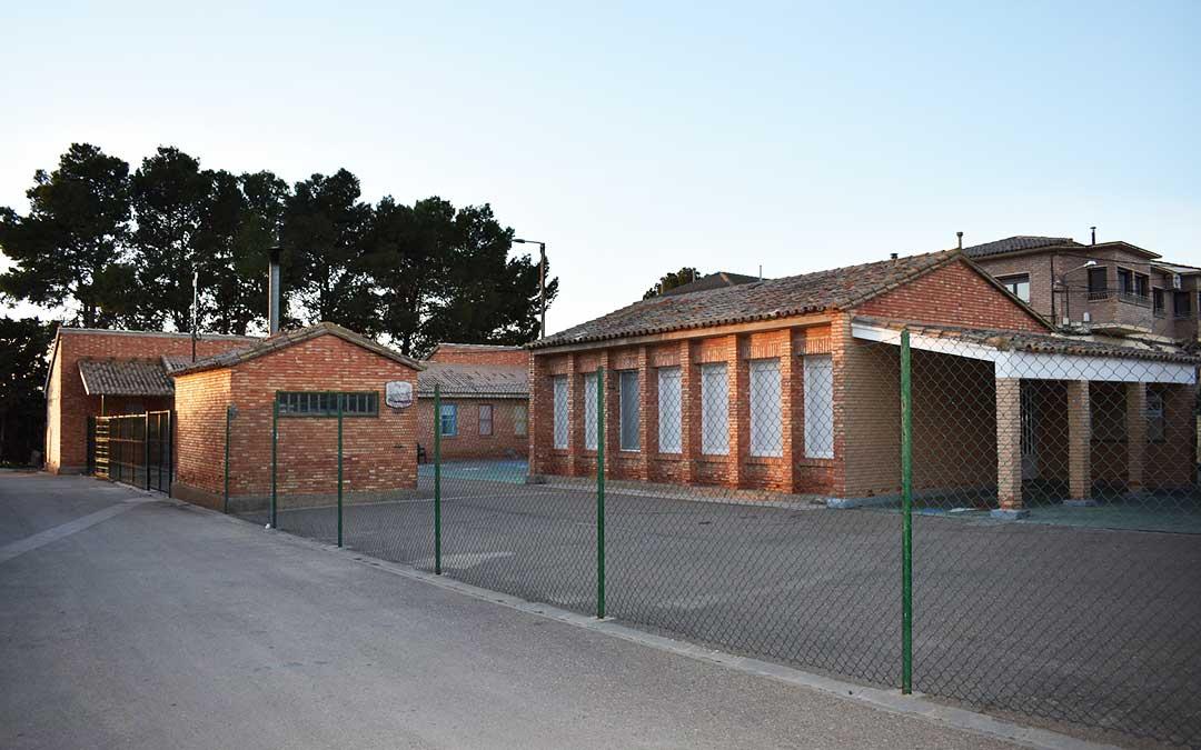 Imagen actual del colegio municipal de Chiprana, que contará a partir del curso que viene con el ciclo completo de Primaria.