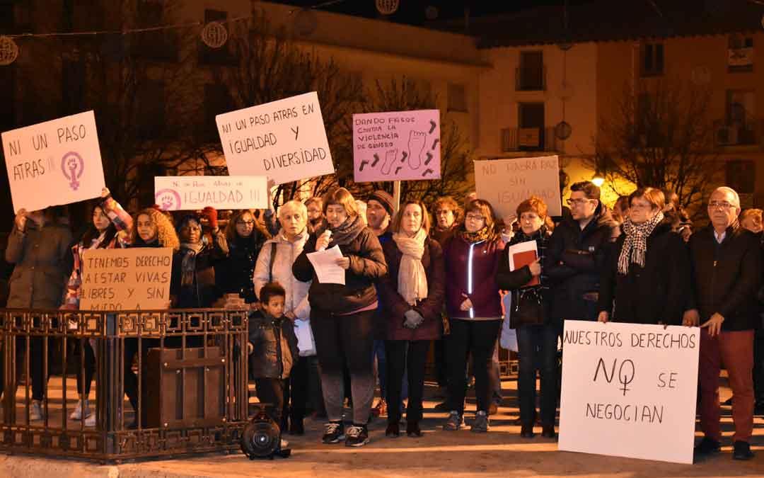 A la concentración de Caspe acudieron varias decenas de personas.