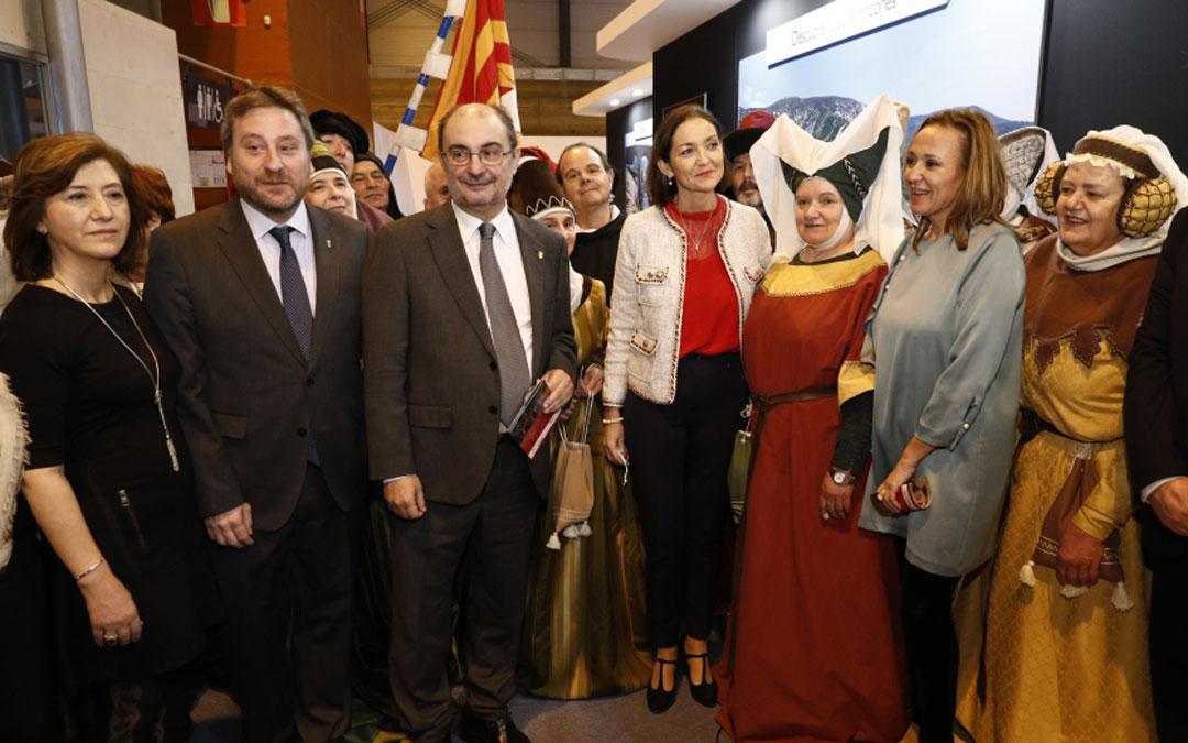 Javier Lambán y varios consejeros de DGA han estado acompañados por la ministra de Industria, Comercio y Turismo, durante la jornada de hoy en Fitur
