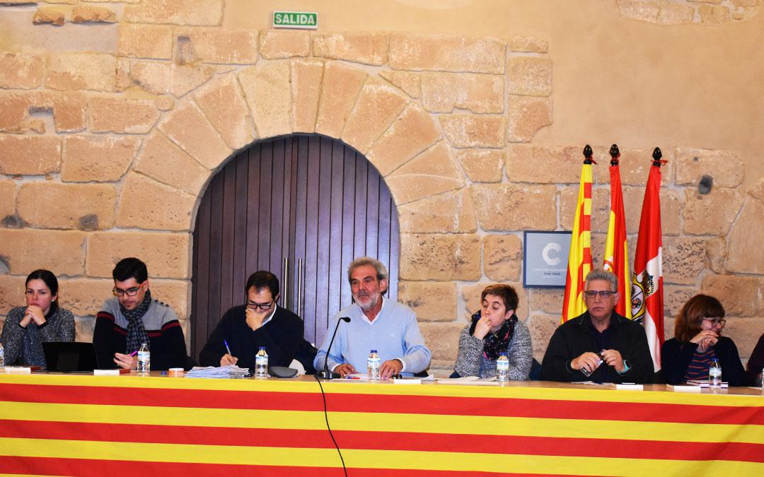 El presidente comarcal Francisco Domenech, en el centro de la imagen, durante un pleno comarcal..
