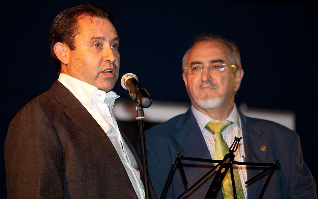 Enrique Bayona y Juan José Moles, Director de Grupo Arcoiris actualmente