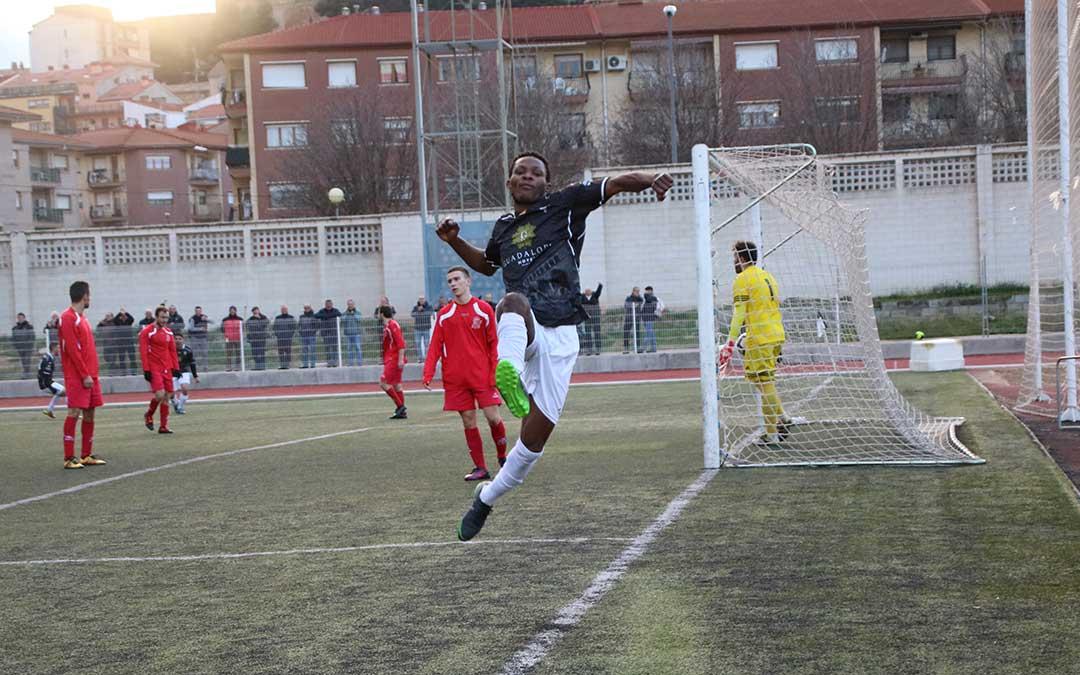 maikel celebracion gol alcaniz