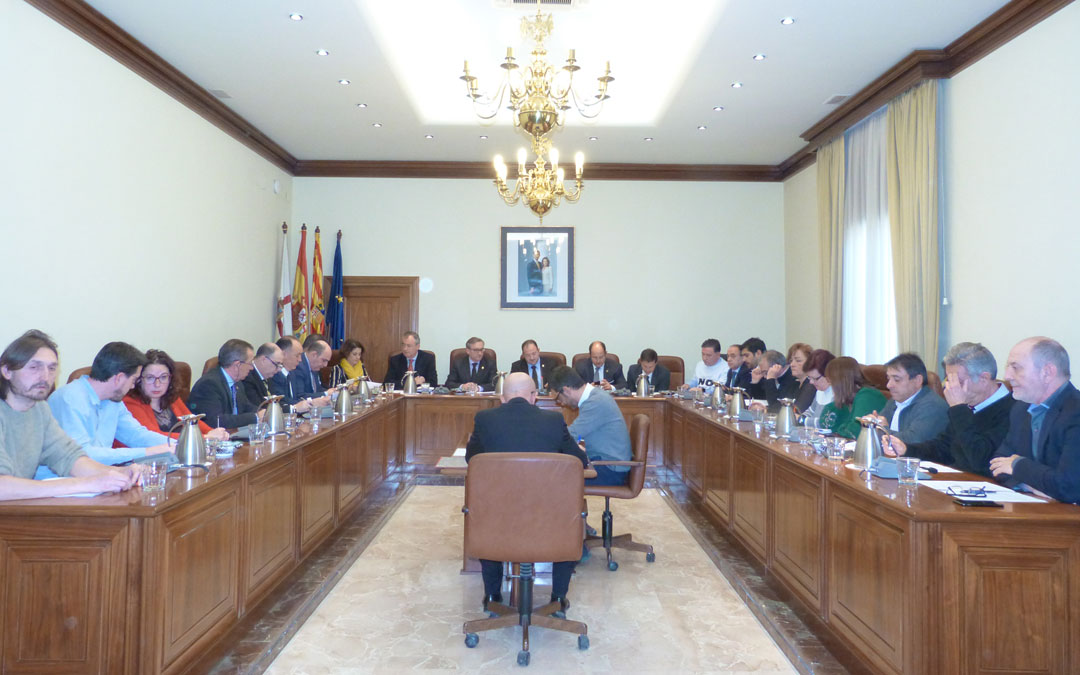 El pleno del DPT ha aprobado una moción para depurar responsabilidades por la situación del Guadalope