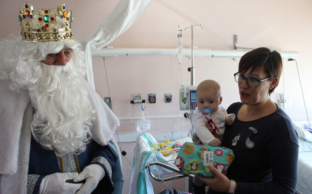Los Reyes Magos visitan el Hospital y las residencias de mayores de Alcañiz