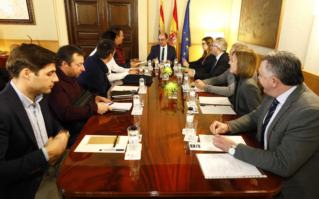 Reunión de la nueva ejecutiva de UAGA, y Eva Febrero con el presidente de Aragón y el consejero Olona