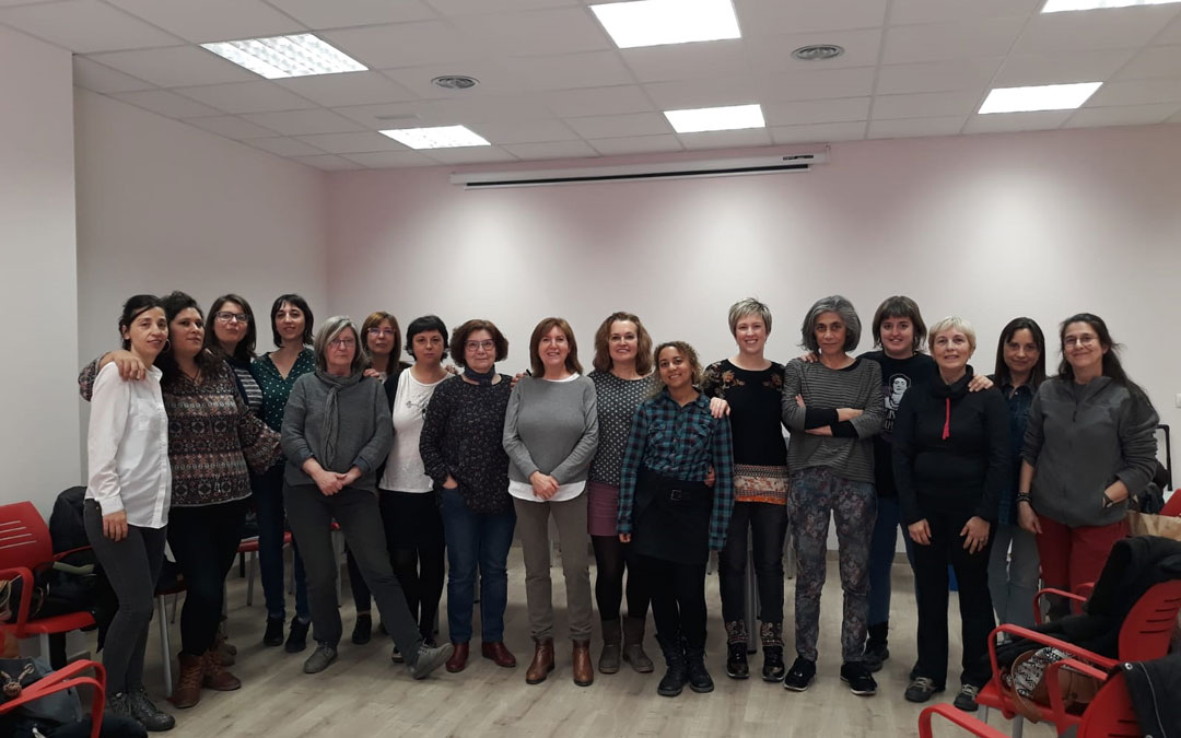 Asamblea del Bajo Aragón Feminista para preparar la huelga del 8M