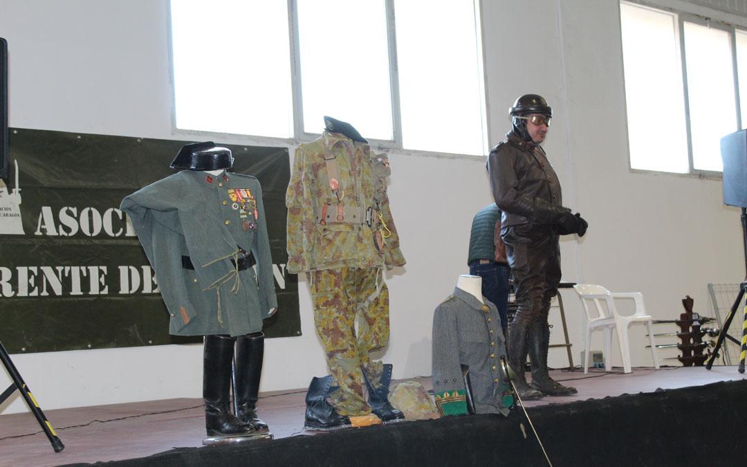 Concurso de uniformes en Expomilitaria.