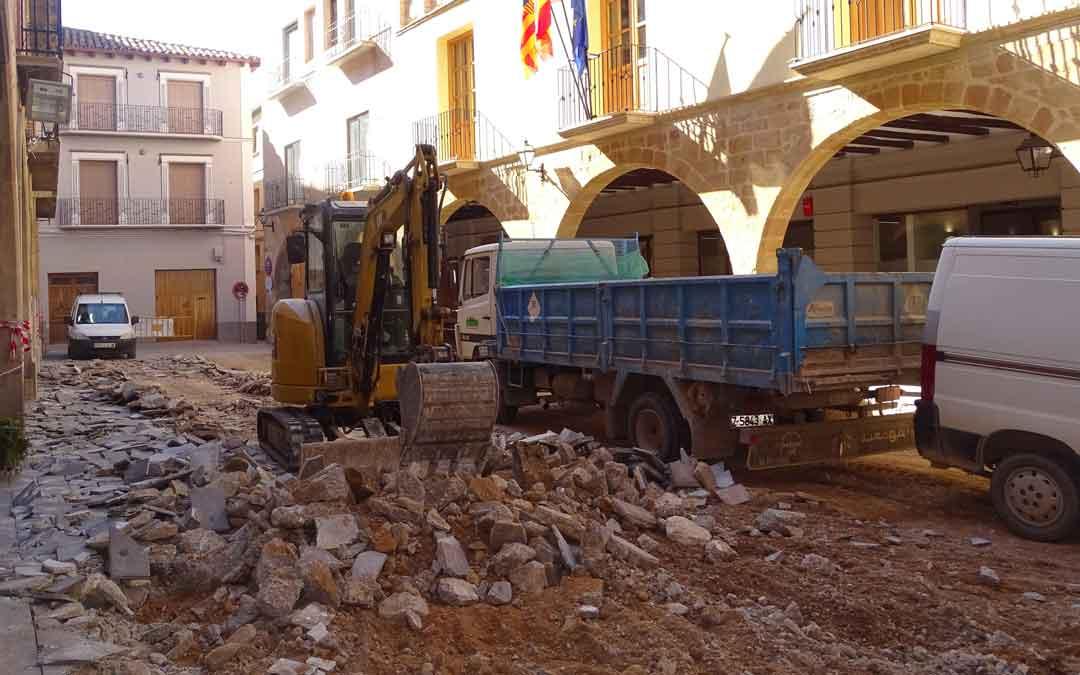 Obras en la plaza Los Arcos de Alcorisa
