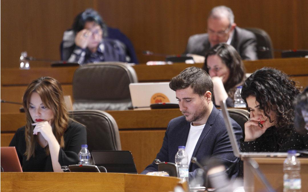 Nacho Escartín defendió las líneas generales de un documento que aborda la transición energética y el cambio climático.