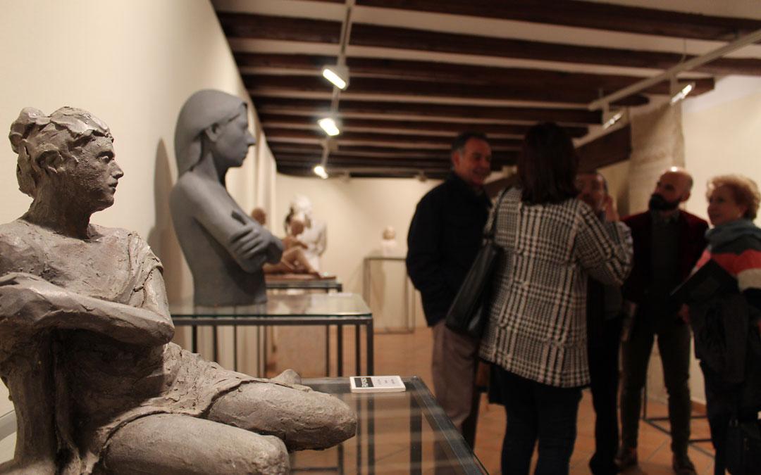 Una de las piezas de '3 Miradas escultóricas' en el museo Cabré de Calaceite.