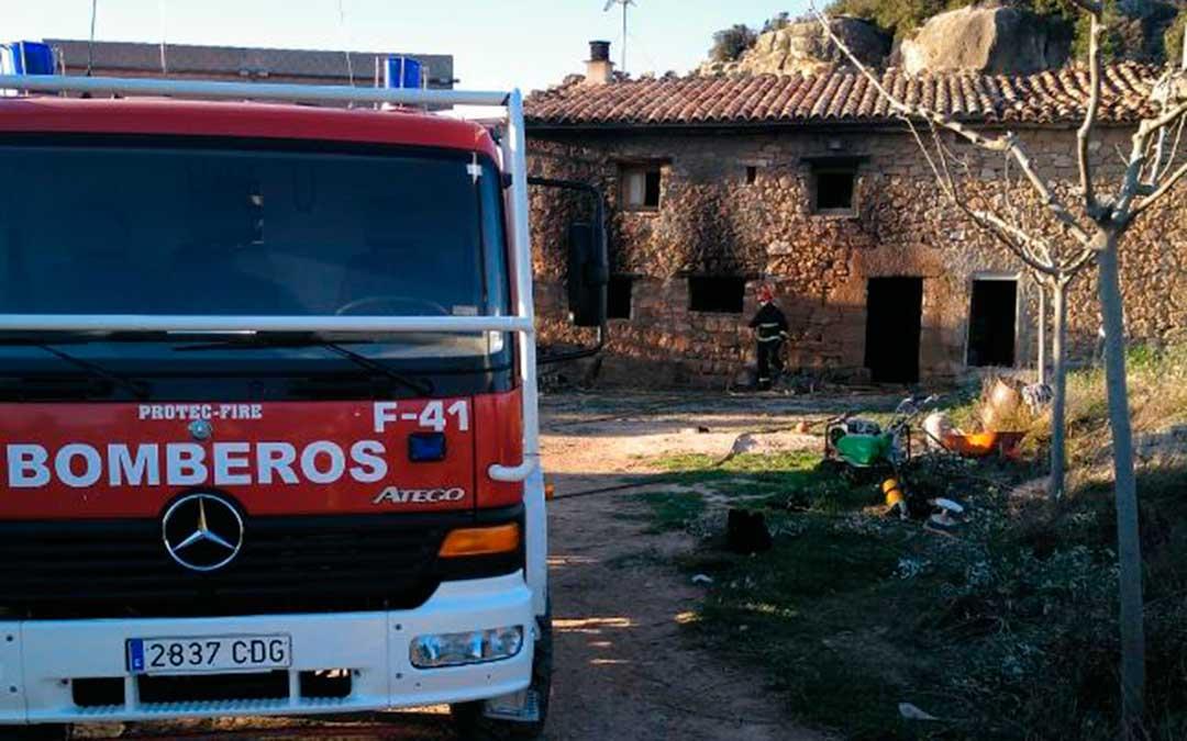 camion bomberos dpt incendio masia alcaniz