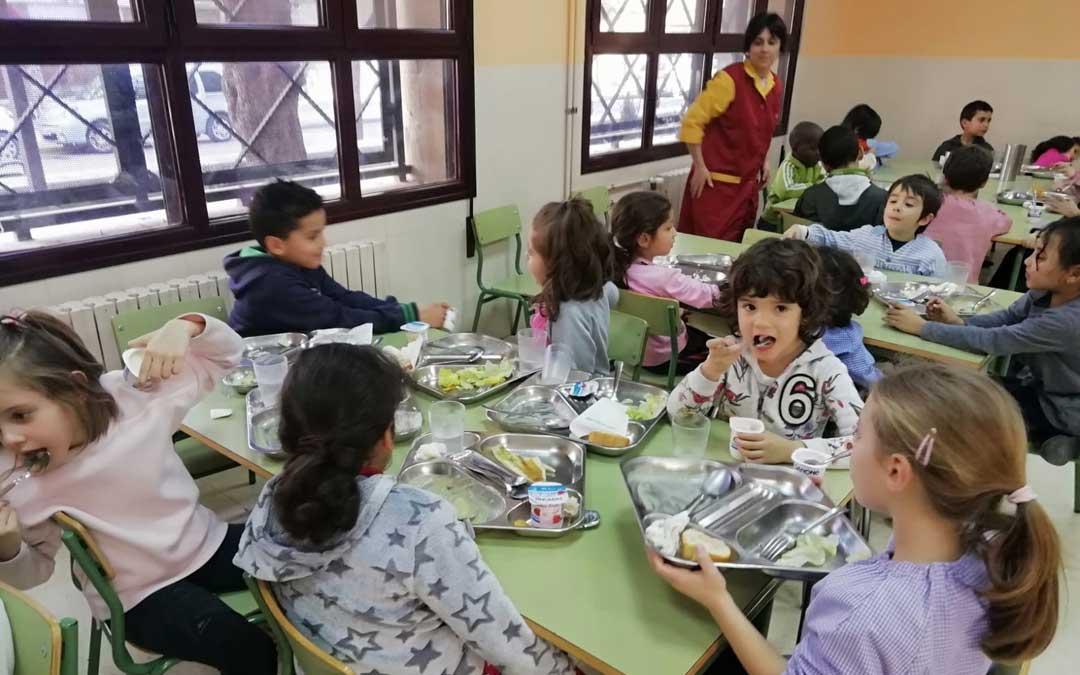 Alumnos del comedor del colegio Juan Lorenzo Palmireno de Alcañiz. Foto: colegio palmireno