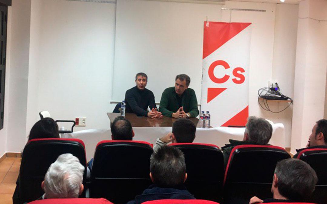 Representantes de Ciudadanos en el encuentro de Montalbán.