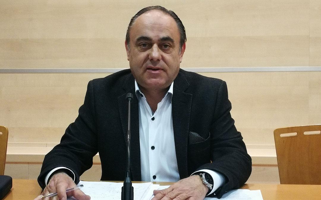 rafael samper, diputado delegado de personal de la dpt en la rueda de prensa sobre oferta de empleo publico